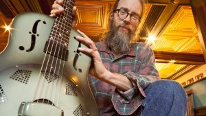 interview + acoustic in-studio: Charlie Parr